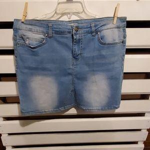 WILD BLUE jean skirt.               #R153